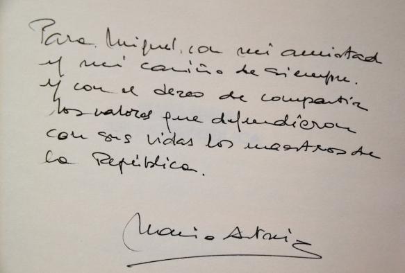 Dedicatoria de María Antonio Iglesias.
