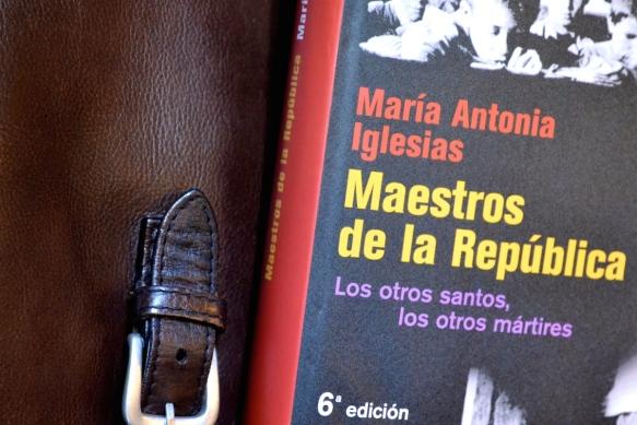 Detalle de la portada del libro de María Antonia Iglesias.