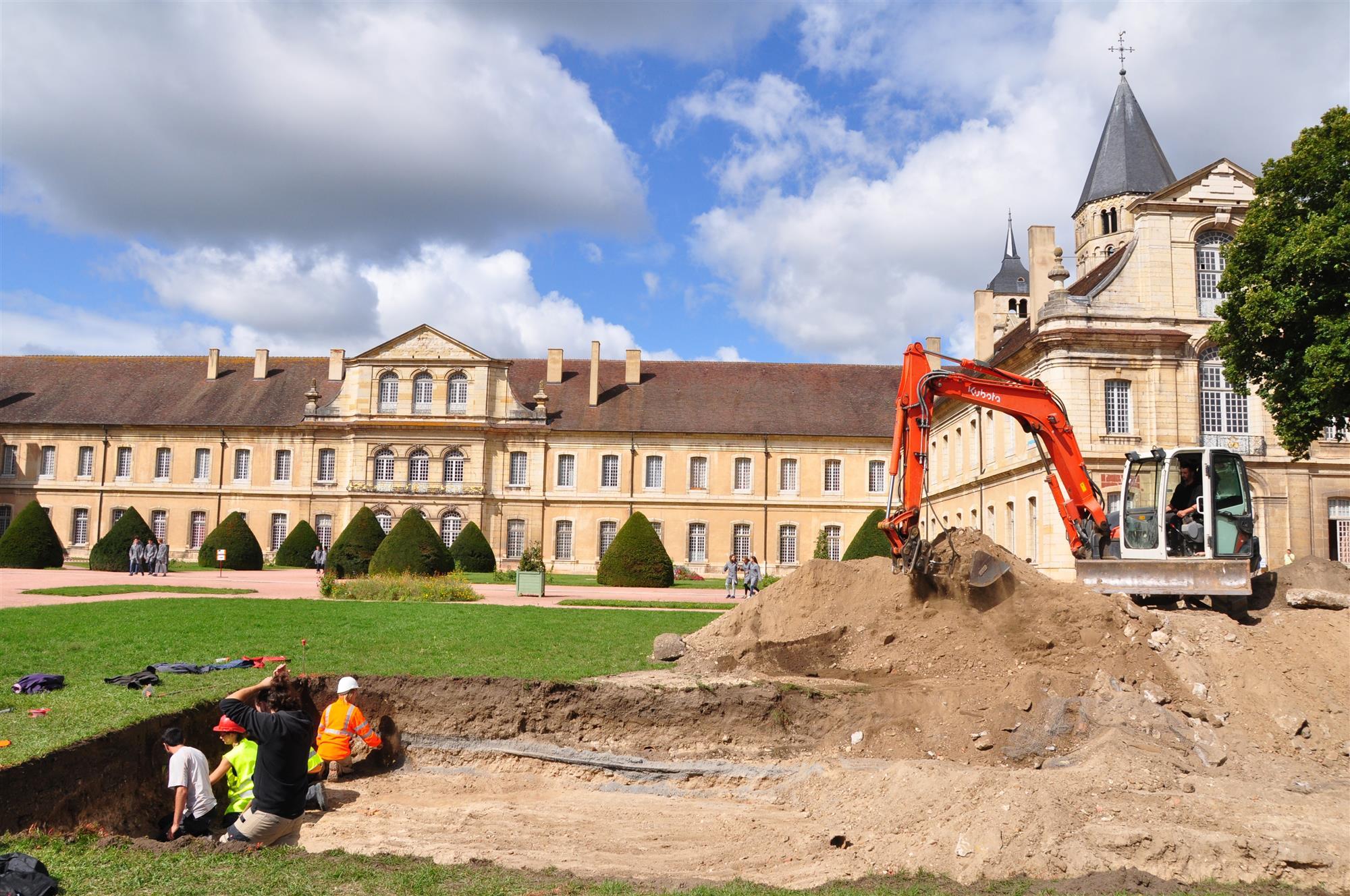 Excavaciones en la abadía de Cluny (Francia). Foto: National Geographic.